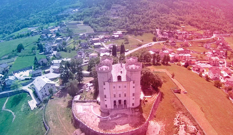 foto aerea del castello di Aymavilles