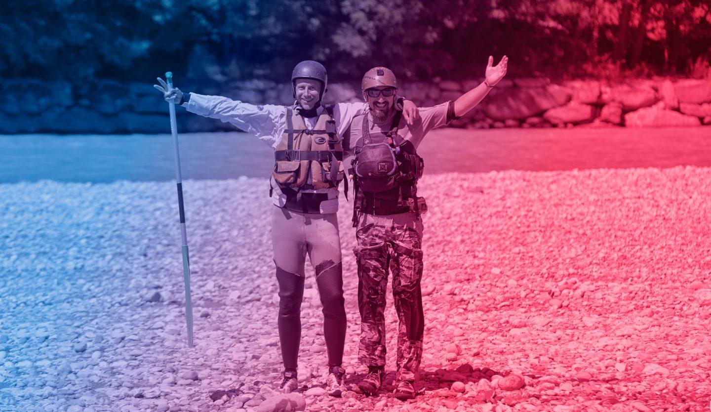 foto delle guide di rafting Remo e Coco a bordo fiume