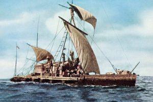 La zattera Kon Tiki di Wesley in mare