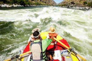 Raft in azione sullo Snake River